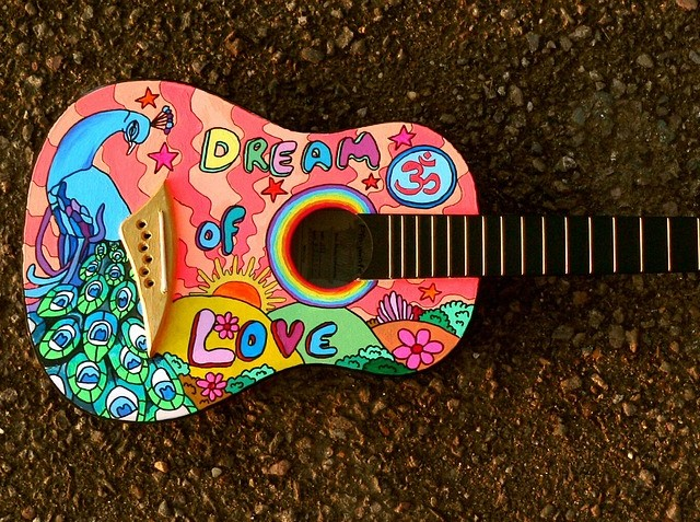 painted-guitar-1087209_960_720