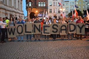 marsz-wolnych-polakow-11