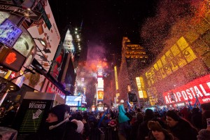 Working_New_Years_Eve_Social_Media_for_NBC_(9234114888)_2