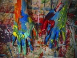 hands-1536987_960_720