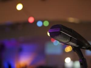 microphone-2548973_960_720